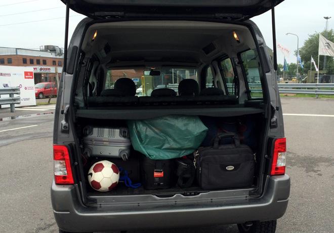 cómo distribuir peso en el auto
