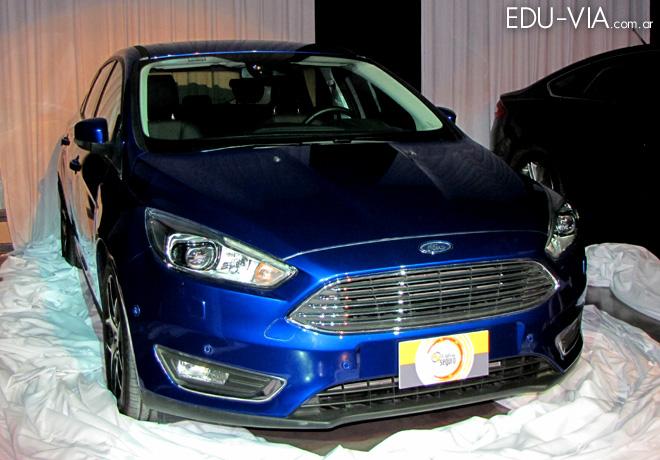 CESVI - El Auto mas Seguro 2015 - Ford Focus Hatchback 1