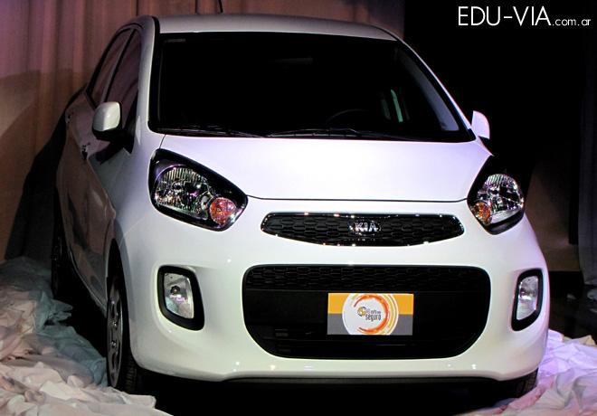 CESVI - El Auto mas Seguro 2015 - Kia Picanto EX 1