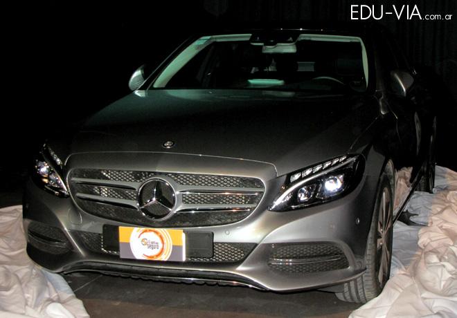 CESVI - El Auto mas Seguro 2015 - Mercedes Benz C250 1