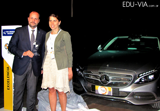 CESVI - El Auto mas Seguro 2015 - Mercedes Benz C250 2
