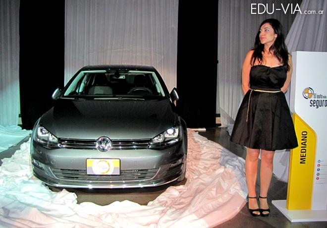 CESVI - El Auto mas Seguro 2015 - Volkswagen Golf Trendline 1