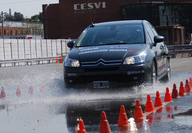 CESVI - Compara en Casa - Conduccion en lluvia