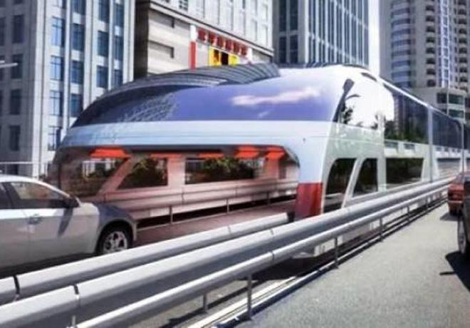 China, bus que circula sobre los autos