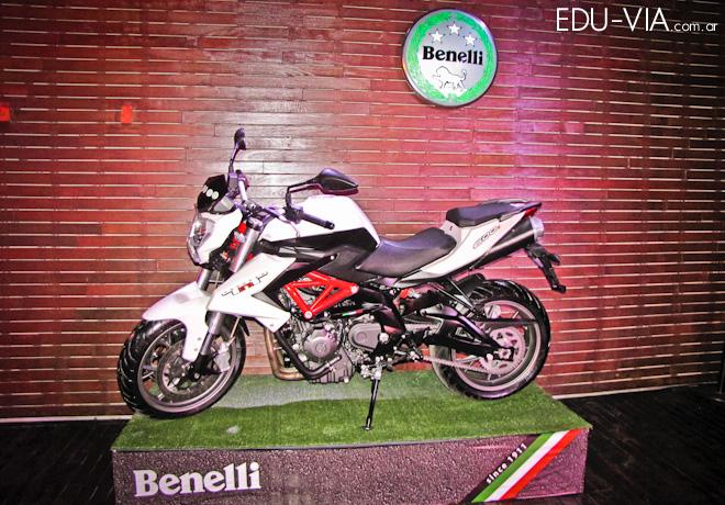 Motos Benelli presentó sus nuevos modelos TNT 135, TNT 302R y TRK502