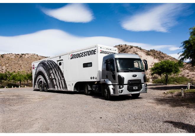 Caravana Solidaria Bridgestone 2016 camión