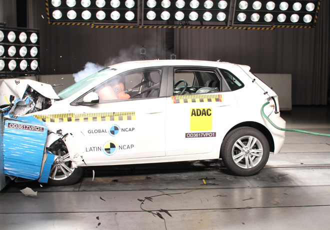 Latin-NCAP-VW-Polo-con-4-Airbags