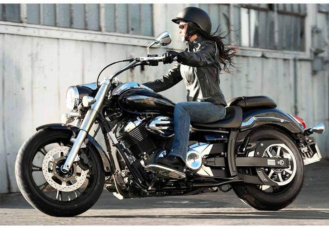 Cada vez más mujeres eligen la moto como medio de transporte.