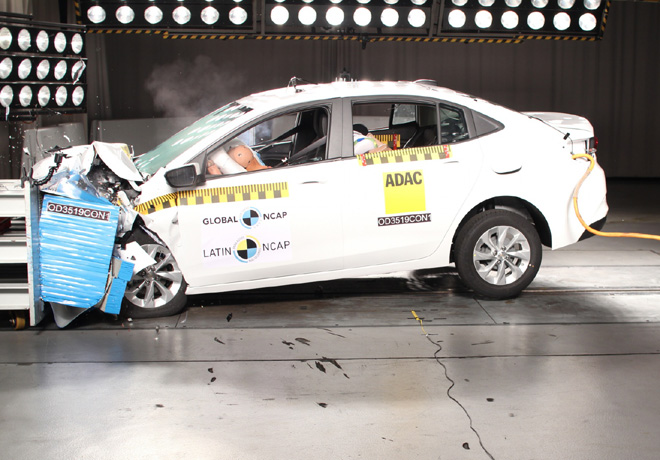 Latin NCAP - Chevrolet New Onix Hatchback - con 6 Airbags